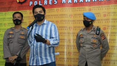 Kasat Reskrim Polres Karawang Konferensi Pers Kasus Terkait Penghinaan Lambang Negara