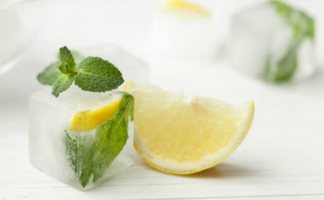 15 Amazing Benefits of ice cube on your face