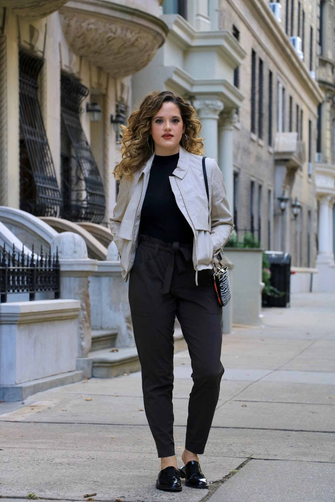 Nyc fashion blogger Kathleen Harper wearing 2019 Fall fashion trends.