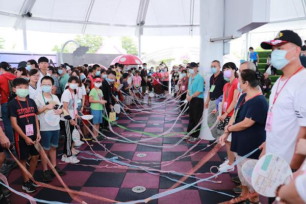 彰化家扶助學認養人相見歡 300人齊聚琉璃仙境