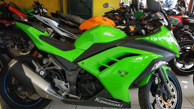 Jual Motor Bekas Kawasaki Ninja 250 Fi Tahun 2015 warna Hijau