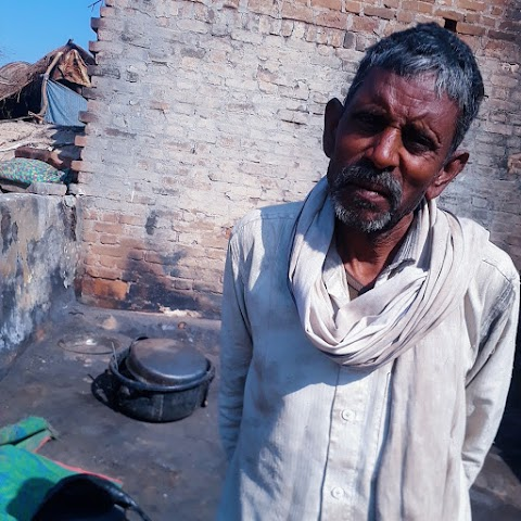 जालौन जिला में निषादों के घरों में आग लगने से हुआ लाखों का नुकसान