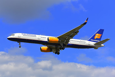 Icelandair plane, company who usually offer cheap airfare to Iceland