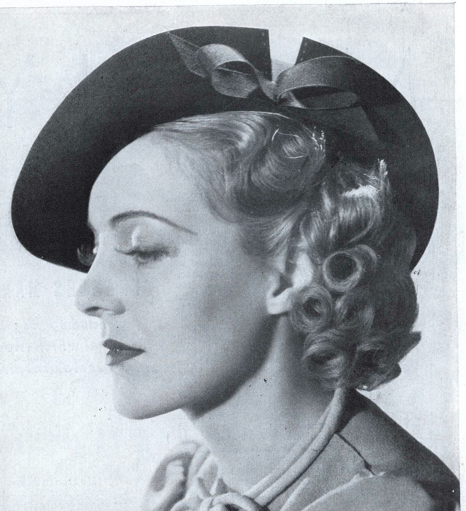 Vintage Women's Hats And Headgear Fashions From The Early