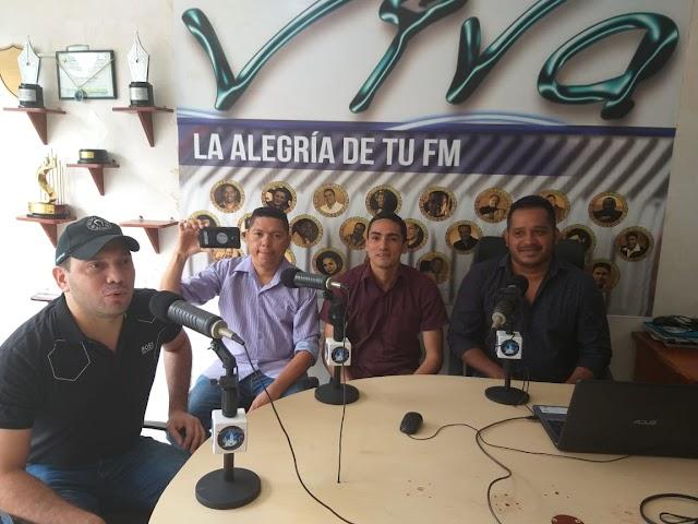 Los artistas villanueveros Walter Fragozo y Jimmy Mancilla presentan su canción Tira y Jale.
