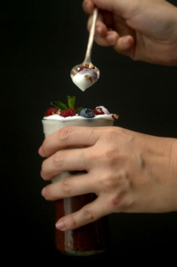 parfait-de-chia-y-cacao-con-yogur