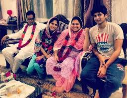 Akbar Rasheed Family Wife Son Daughter Father Mother Age Height Biography Profile Wedding Photos