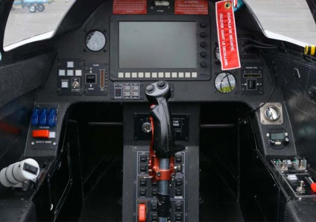 Airbus E-Fan cockpit