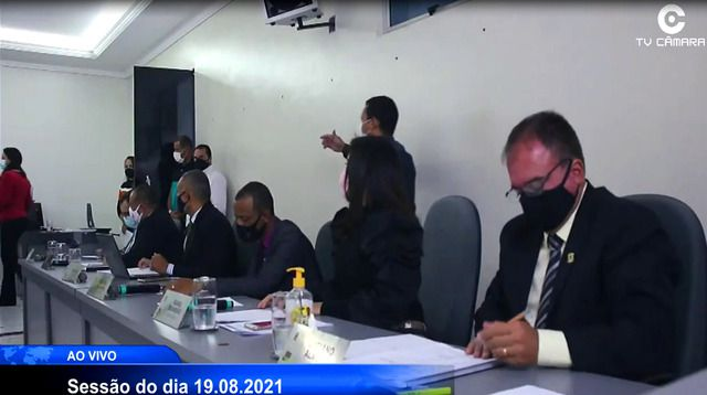 Vereadores foram obrigados a manter vetos do prefeito Hagge sob ameaça de perda de cargos