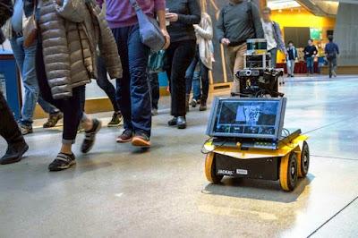 MIT's socially aware bot