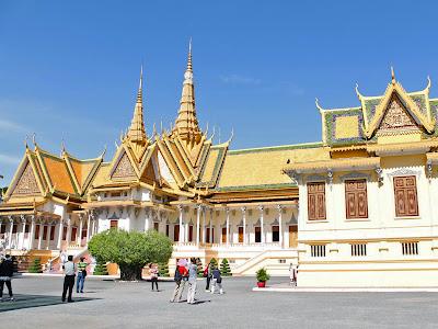 Le palais royal de Phnom Penh et la Pagode d'Argent
