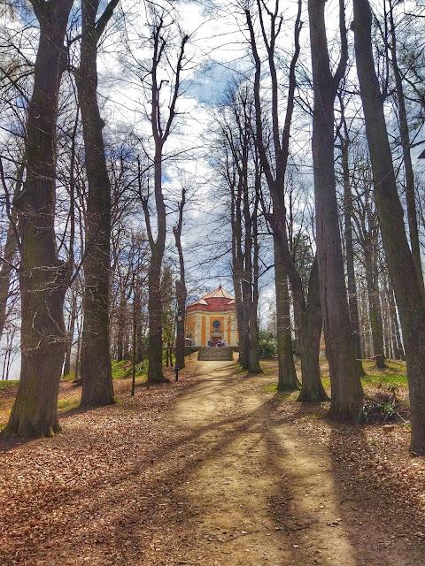 mauzoleum zamek Książ, co zobaczyć w parku