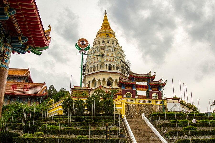 Пагода «десяти тысяч Будд»