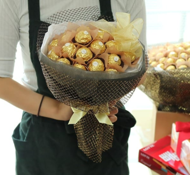 chocolate bouquets , chocolate delivery