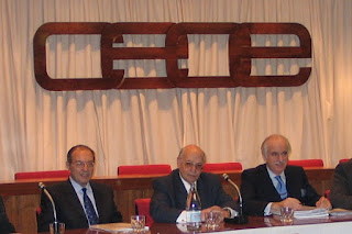 José Antonio Torres, en el centro, junto a Ramón Marcos, actual presidente de Conepa (a su izquierda), y Víctor Rivera, secretario general de la Federación en una foto de finales de los años 90.