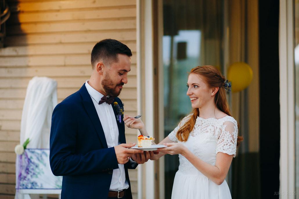 Kas jāņem vērā izvēloties kāzu torti?