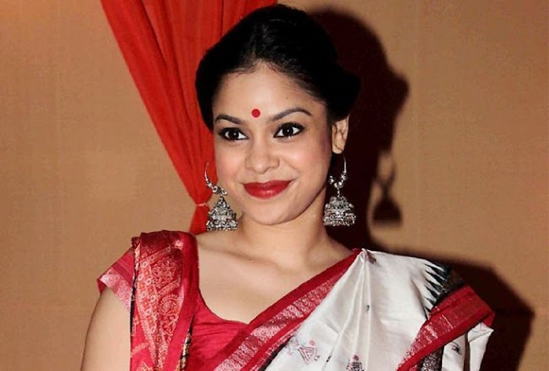 Sumona Chakravarti Hot HD Photos | Images | Pics