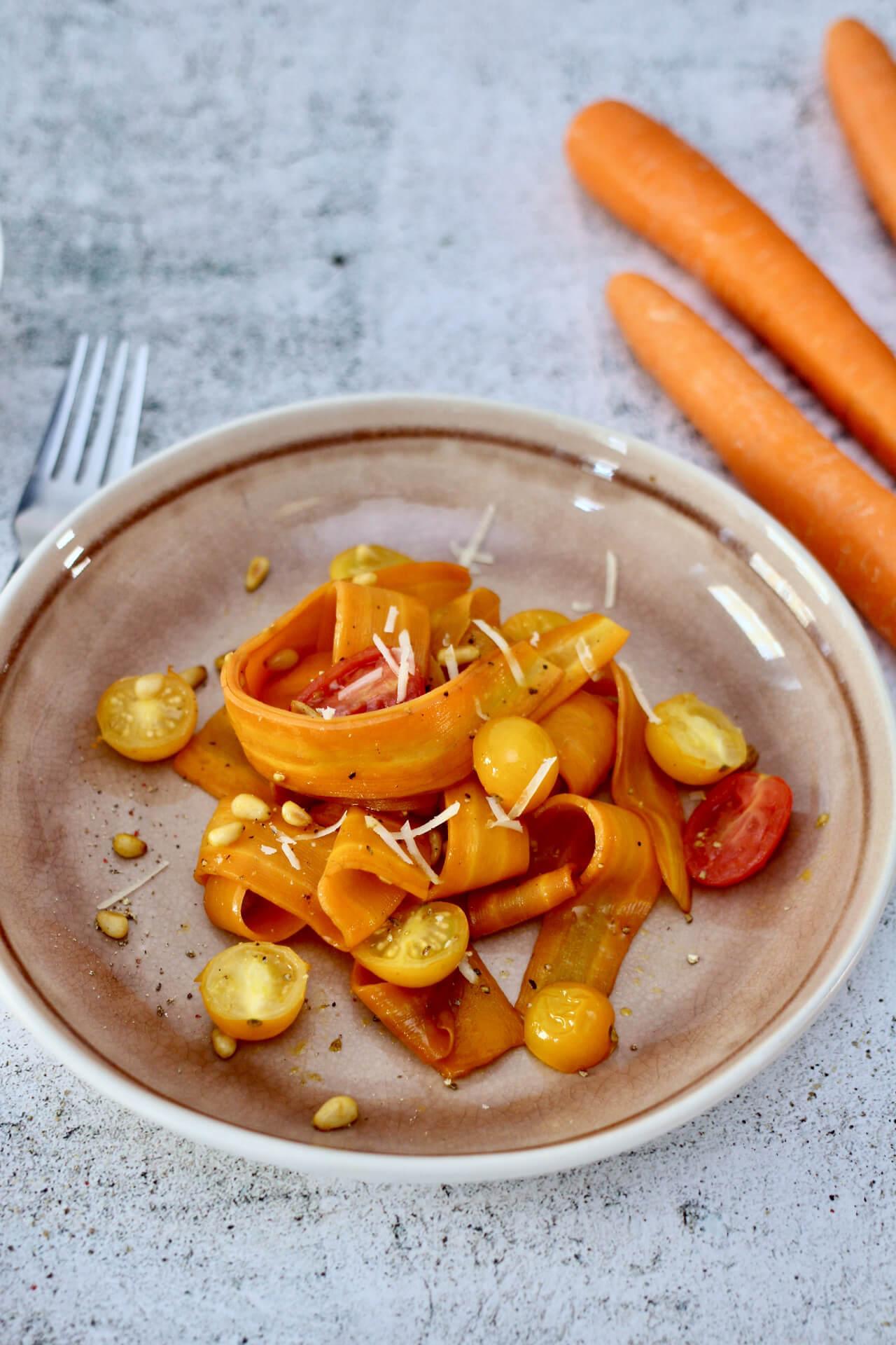 Karottennudeln