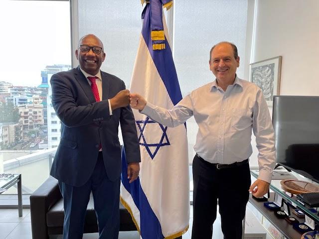 Maestro Beltrán y Embajador israelí en RD intercambian ideas sobre la Revolución Digital