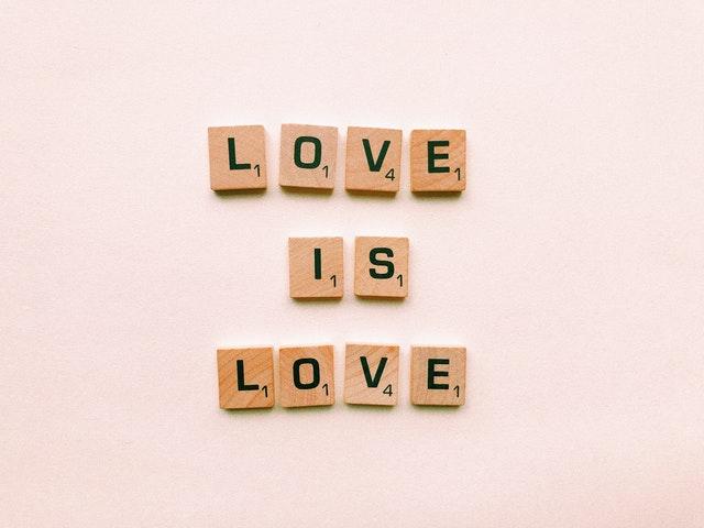 Apa Itu Cinta? Arti Cinta dan Definisi