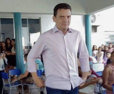Alô alô Ministério Público nepotismo em Senador La Rocque ta comendo solto!!!