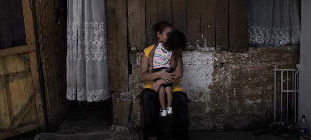 Los niveles extremos de crimen organizado, violencia y pobreza obligan a los niños y sus familias a huir y buscar una nueva vida fuera de Honduras. UNICEF / Zehbrauskas