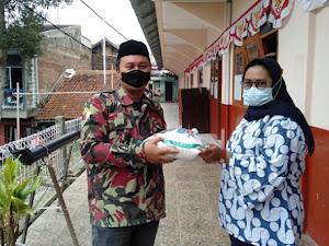 Tanggulangi Dampak PPKM, Pemuda Muhammadiyah Kota Bandung bagikan Beras dan APD