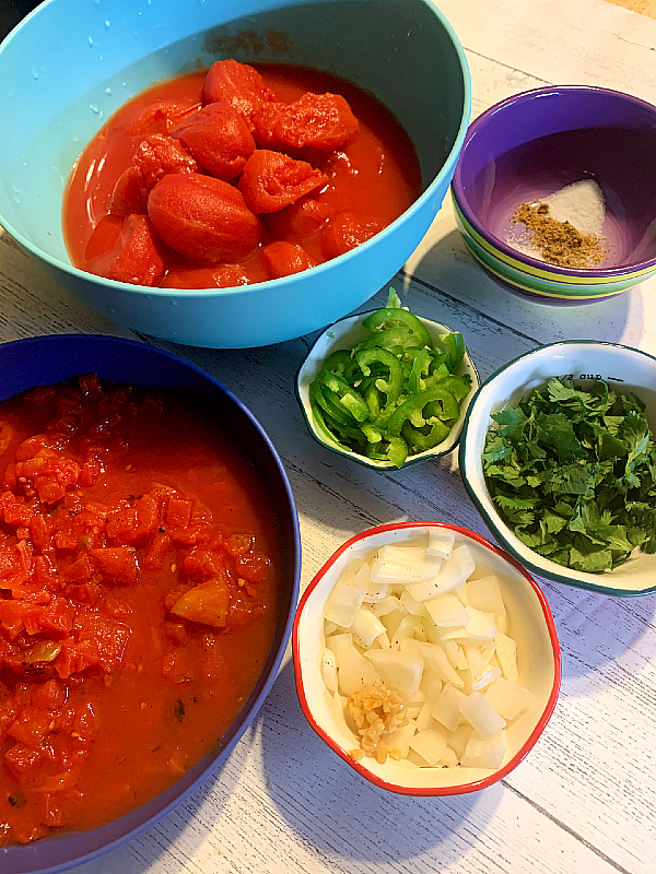 Salsa ingredients in bowls-The Busy Abuelita