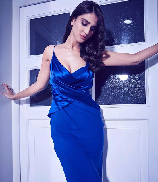 Vaani Kapoor Modern Retro S-waves