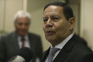"""É o presidente que decide"""", diz Mourão sobre novo imposto"""