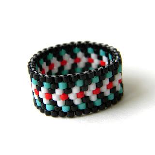 Купить женское кольцо в этническом стиле. Оригинальное украшение из бисера ручной работы. Интернет-магазин.