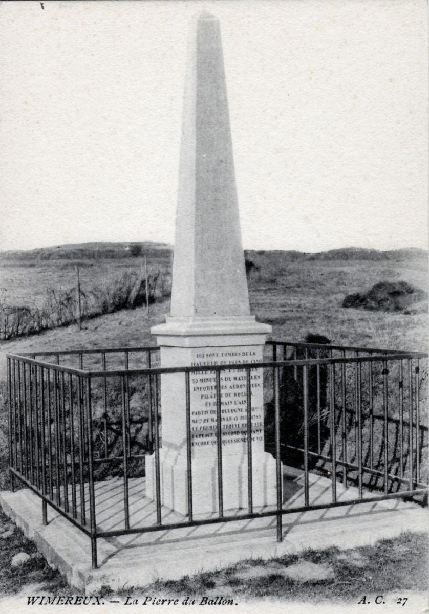 Memorial to the death of Pilâtre de Rozier