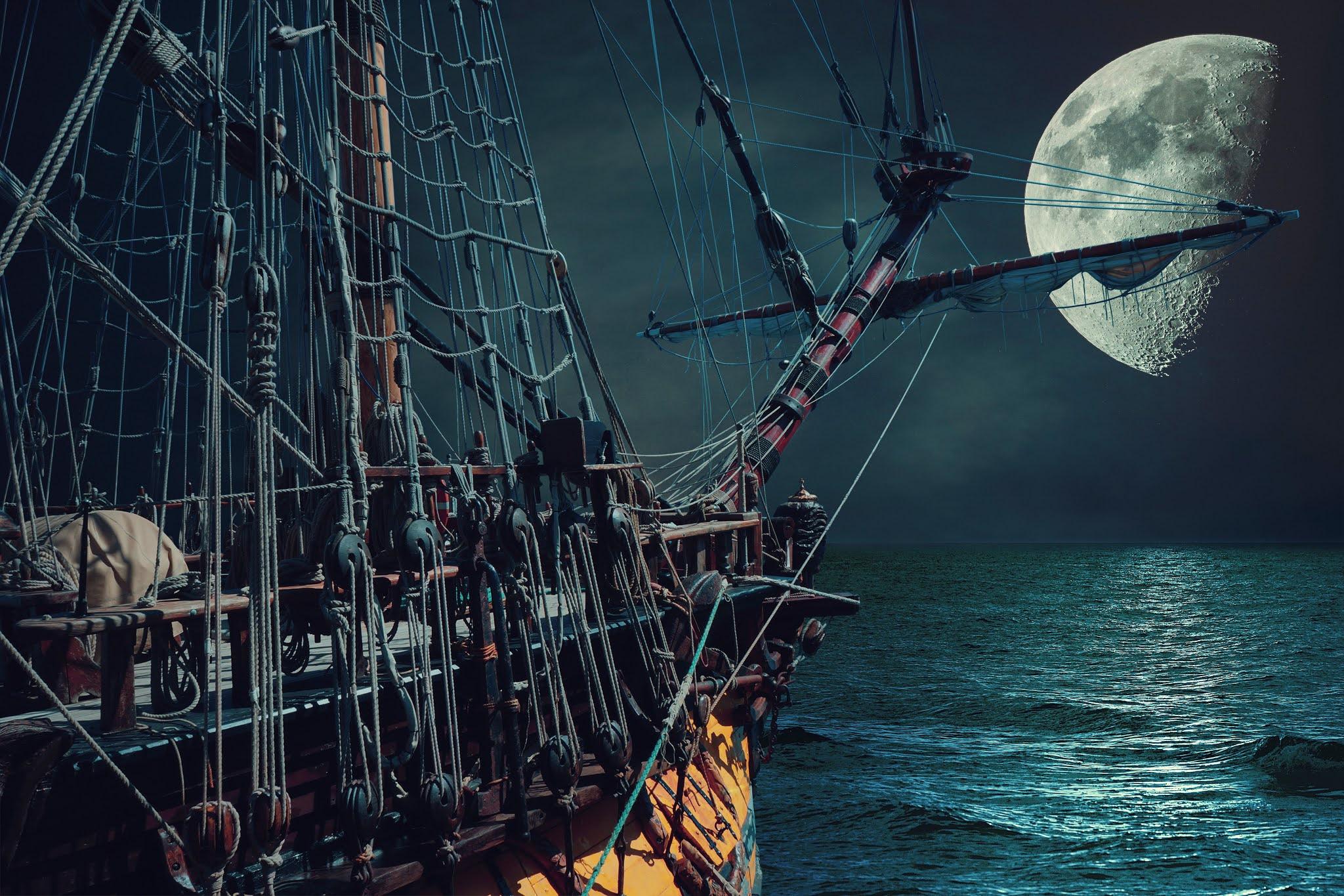 月夜に航海する帆船