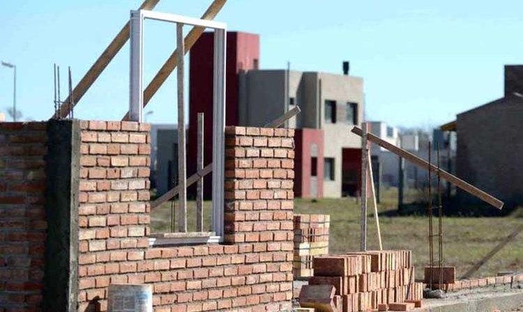 Nación presenta programa para reactivar y finalizar obras de viviendas paralizadas
