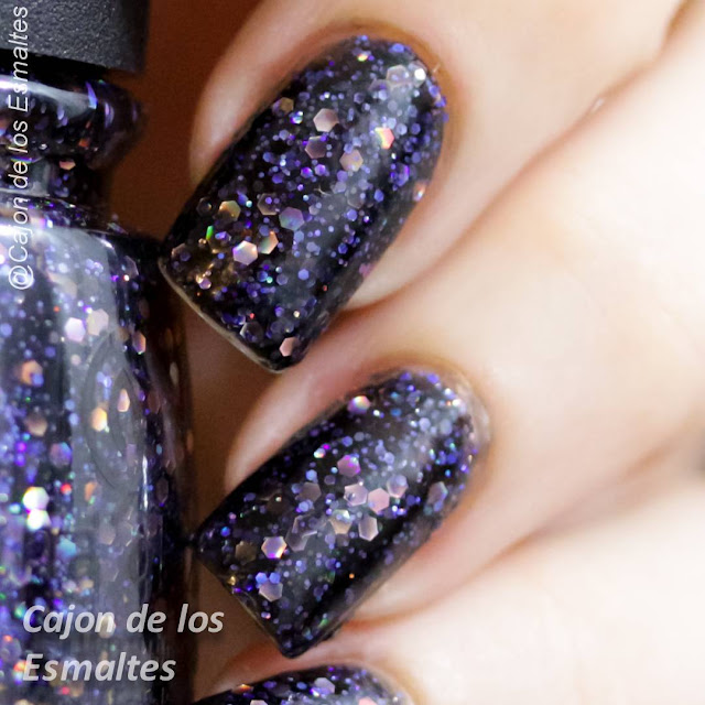 Macro - China Glaze - Black heart coal hands