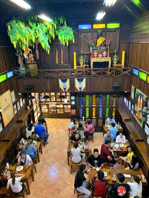 Planujesz pobyt w Bangkoku? Chciałbyś zjeść dobry pad thai? Zapraszam do mnie. Powiem Ci, gdzie zjeść dobry pad thai w Bangkoku.