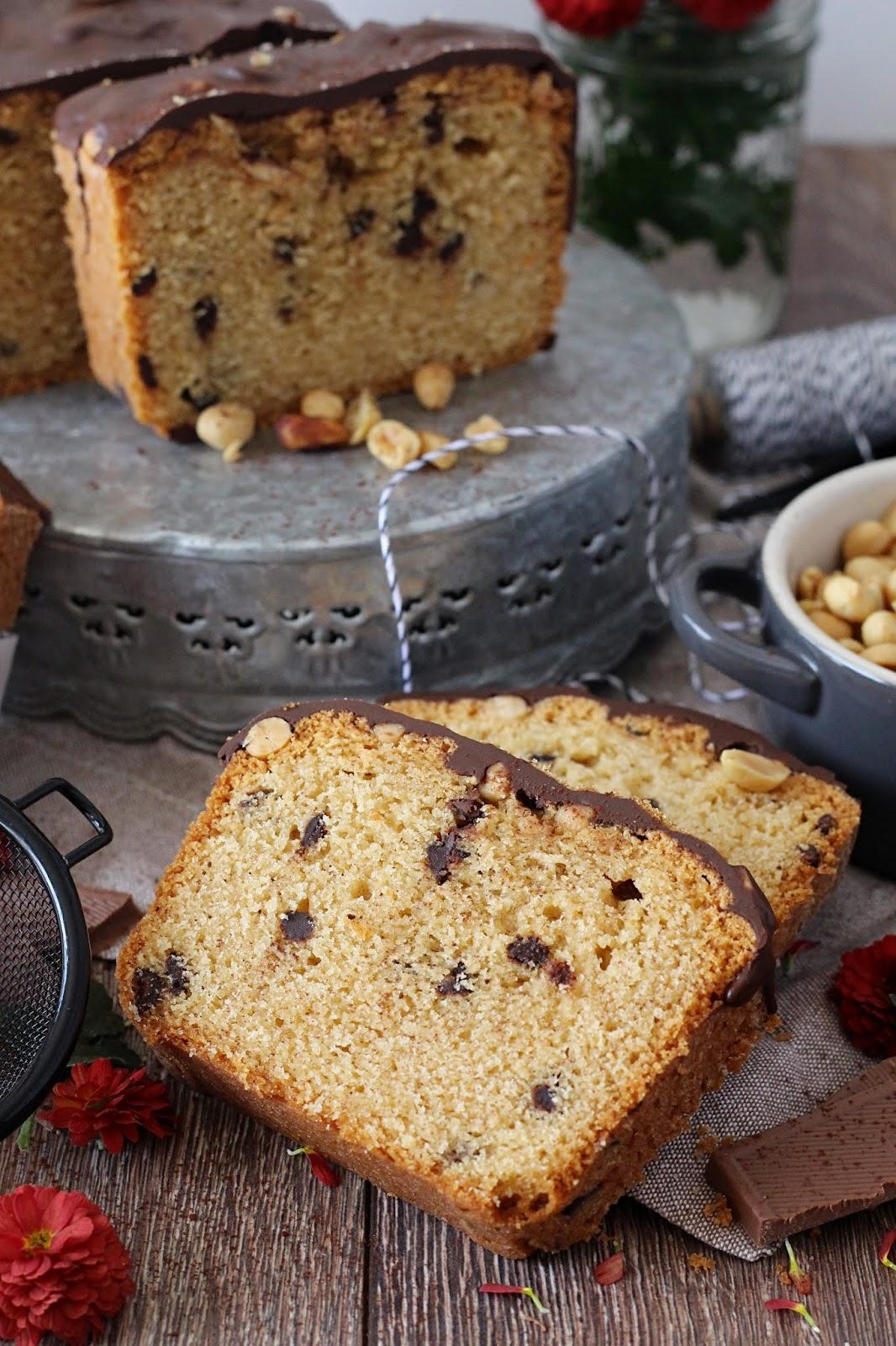 Erdnussbutter Kuchen Mit Schokostuckchen Und Salzigem Erdnusstopping