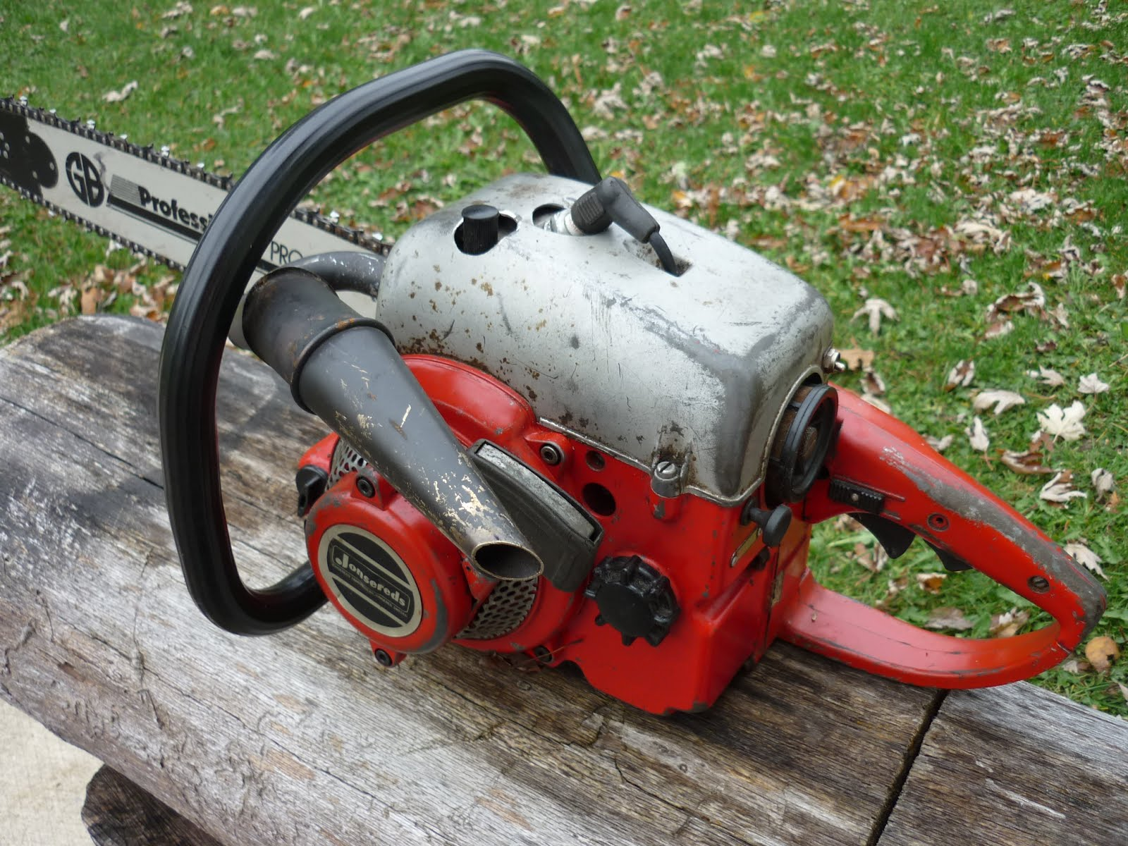 VINTAGE CHAINSAW COLLECTION: JONSERED GROUP OF SAWS