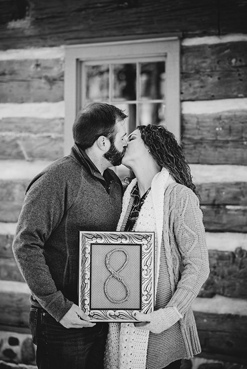 Winter Log Cabin Family Pictures, 2018 | My Darling Days