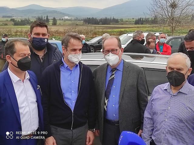 Αποκατάσταση του Ισθμού, στήριξη βιομηχανίας και αγροτικού τομέα κατά την επίσκεψή του Πρωθυπουργού στην Κορινθία