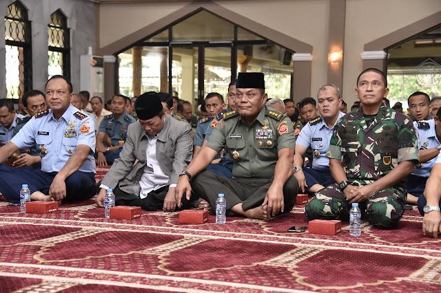 Kasum TNI Ikuti Ceramah Rohani Islam