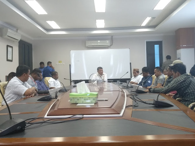 PLT Retor UNG Prof. Drs. John Hendri, M.Si, Ph.D Menjelaskan Alasannya belum menandatangani SK Presiden Bem Dan Wakil Presiden BEM  UNG Terpilih (14/08)