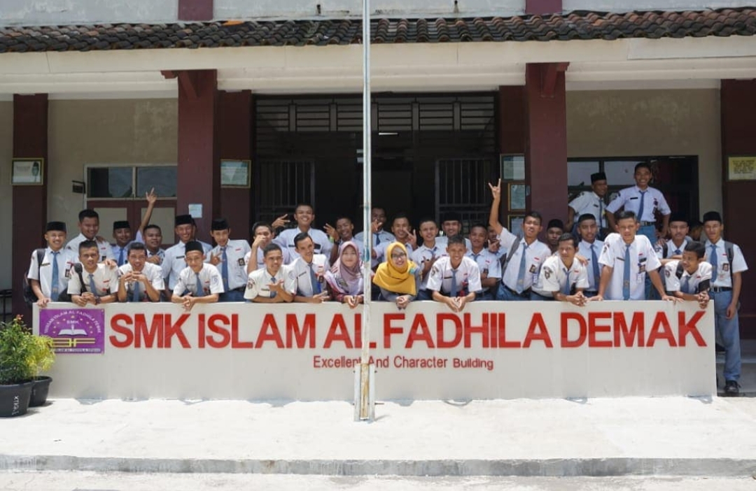 Lowongan Kerja Demak Sebagai Guru Produktif, Pendidikan Seni Musik, Pendidikan Akuntansi, Pendidikan Olahraga, Pendidikan IPS di SMP-SMK Islam Al Fadhila Demak