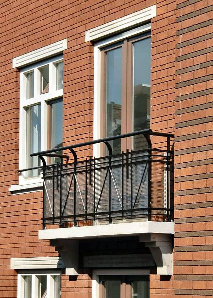 Modern French Balcony Design 2