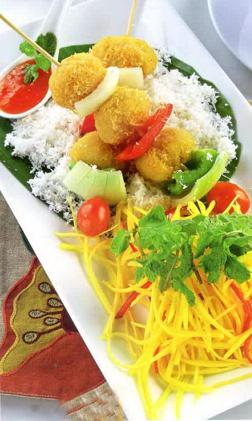 Gà lăn dừa xiên rau củ nướng