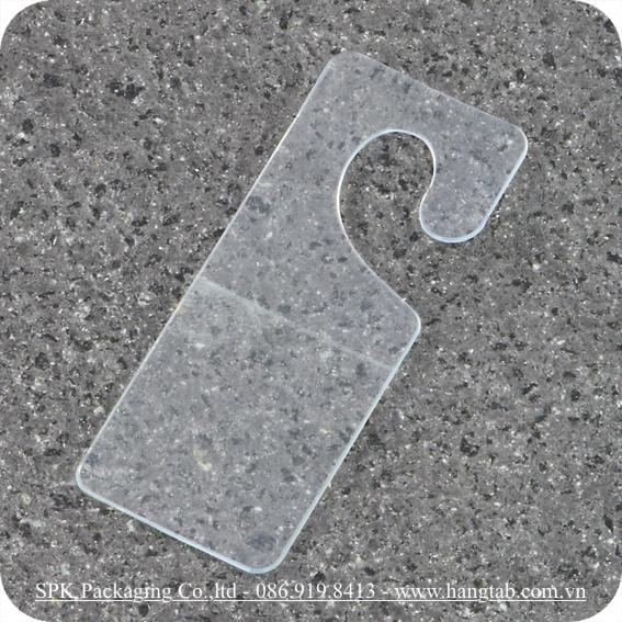 Thẻ treo bằng nhựa dán băng keo 2 mặt