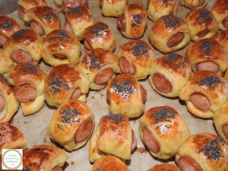 Carnaciori in foietaj la cuptor cu mac reteta,