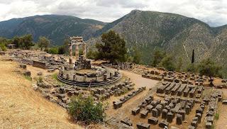 Templo de Apolo en Delfos -oráculo de Delfos-, Grecia