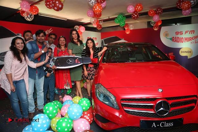 Raashi Khanna at Mirchi 95 Suno Mercedes Jeeto Contest Stills  0017