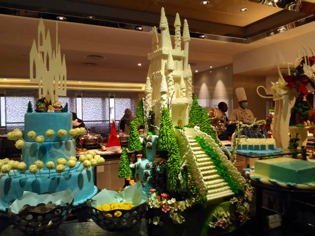 CELEBRATE CHRISTMAS AND NEW YEAR 2018 AT SUNWAY PUTRA HOTEL